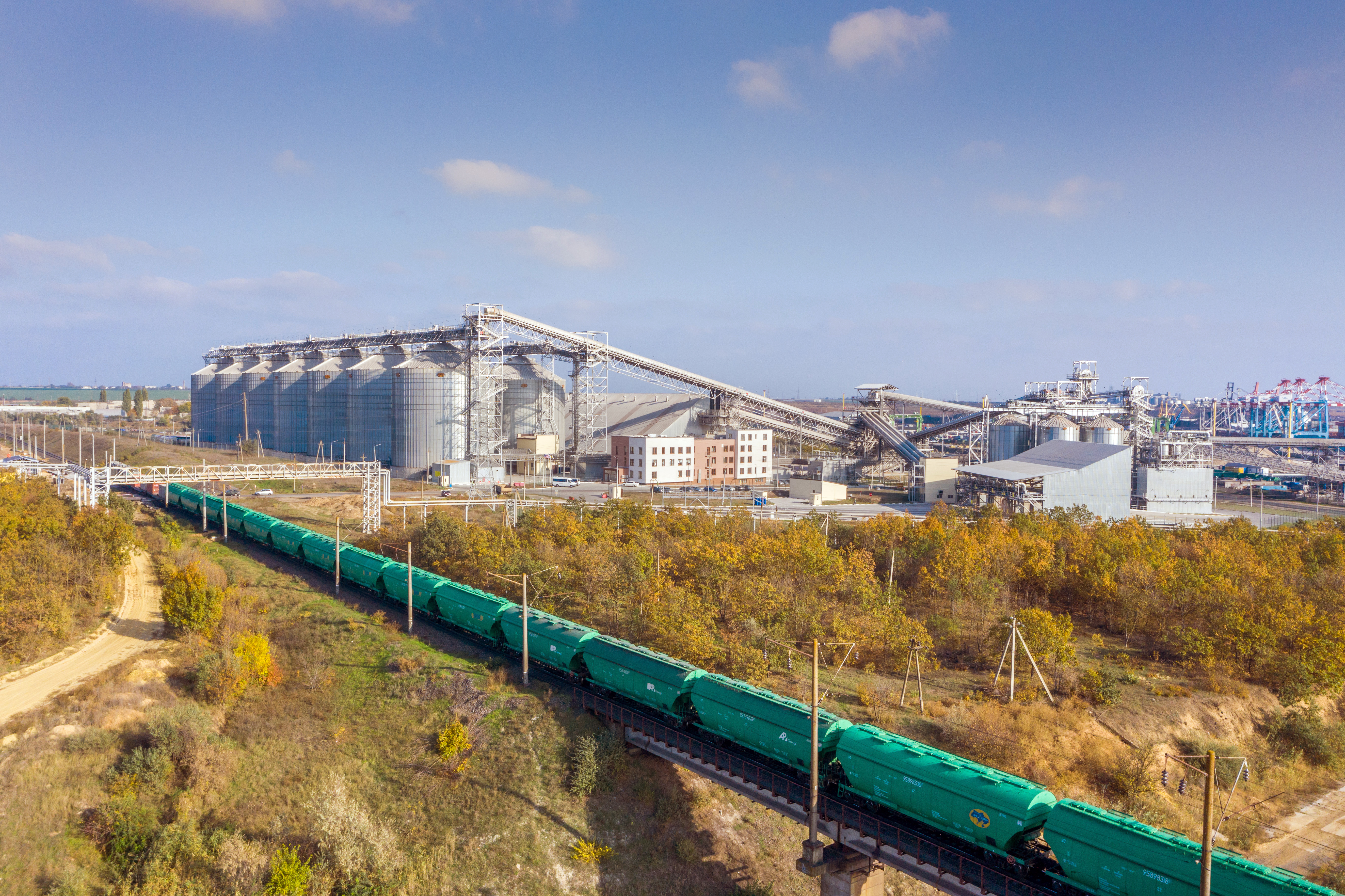 Almost 70% of grain is delivered to the terminal by rail